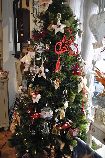 Hampton Villa Tree & Baubles