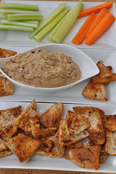 Caramelised Red Onion Hummus with Pitta & Veg