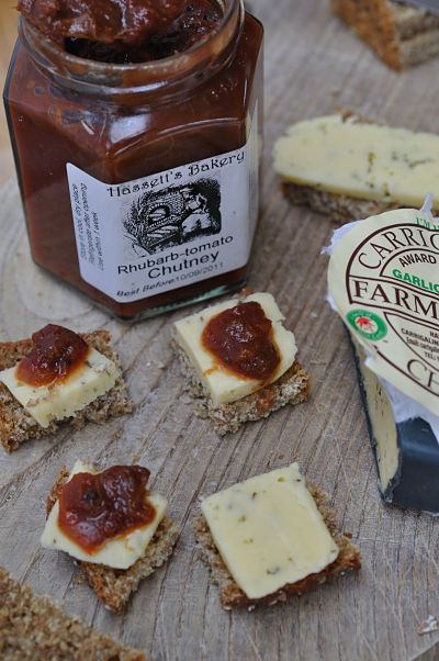 Hasset's Chutney on Carrigaline Cheese w' Brown Bread
