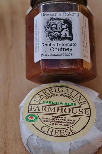 Hasset's Rhubarb & Tomato Chutney with Carrigaline Cheese