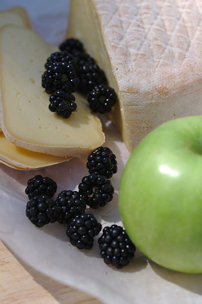 Blackberries, Apple & Gubbeen