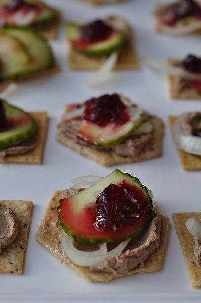 Cranberry pate pickled cucumber christmas canapes for Canape christmas