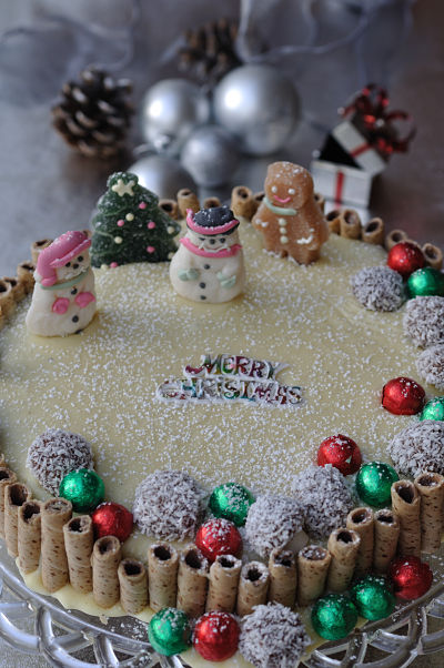 White Chocolate Christmas Biscuit Cake