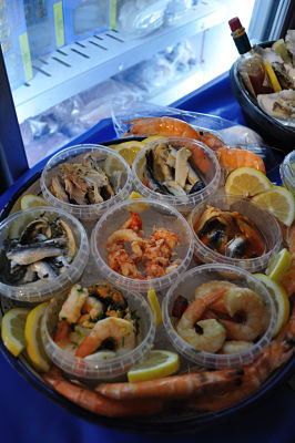 Fabulous Food Trails Cork - Fish tasters at the market