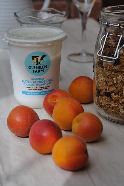 Glenilen Yoghurt, Granola & Apricots