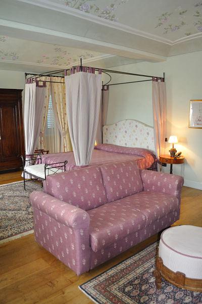My room at Villa Tiboldi