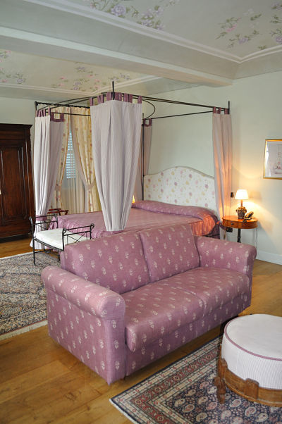 My room at Villa Tiboldi