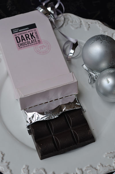 Be Generous with Dark Chocolate Bar_01_opt