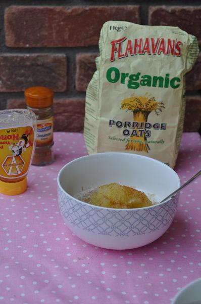 Apple on Porridge with Honey & Cinnamon_01_opt