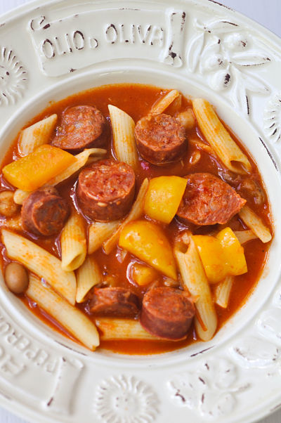 Apon Strings Chorizo bean & pasta soup
