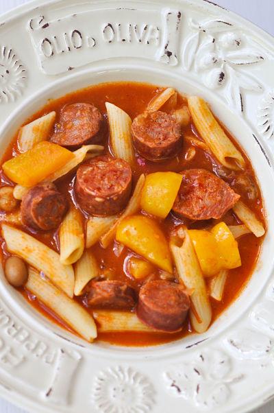 Apon Strings Chorizo bean & pasta soup