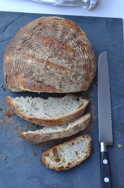 Pana bread sliced