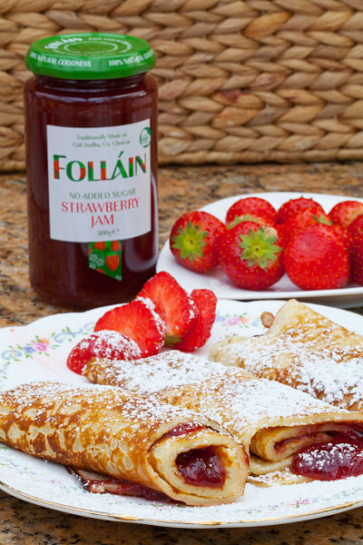 Pancakes with Follain Strawberry