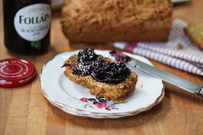 No Knead Brown Bread with jam