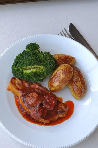Pork & Patatas Bravas