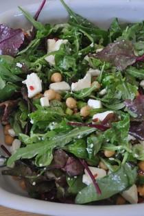 Feta and chickpea salad