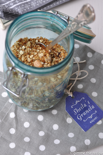 Christmas Granola in Jar